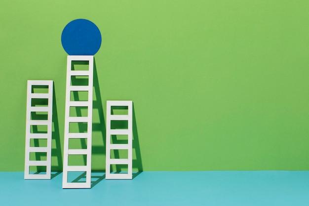 Escada com espaço de cópia e círculo