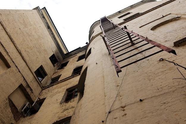 Escada de escape de fogo