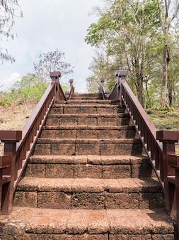 Escada de laterita antiga.