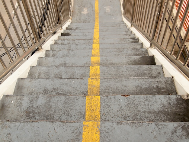 Escadas do viaduto na cidade