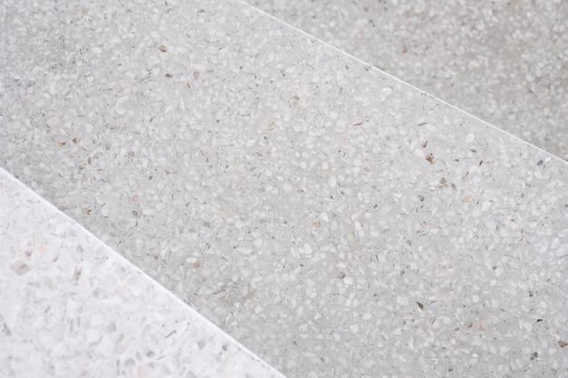 Escadas terrazzo pedra polida passarela e andar