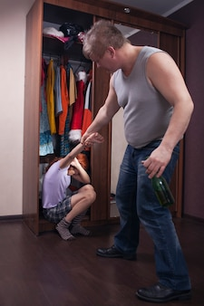 Escândalo familiar devido ao álcool