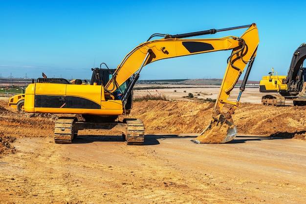 Escavadeira de esteira para construção