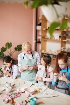 Escola de cerâmica para crianças