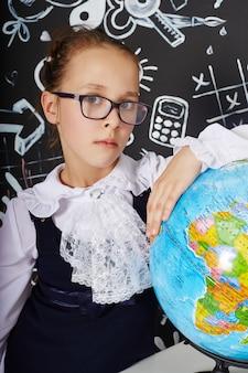 Escola de estudo de estudante de menina de crianças primeiro setembro