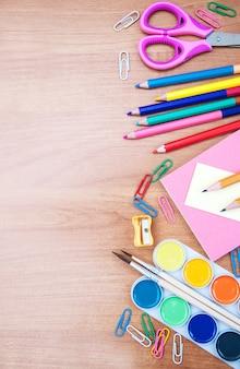 Escola e material de escritório
