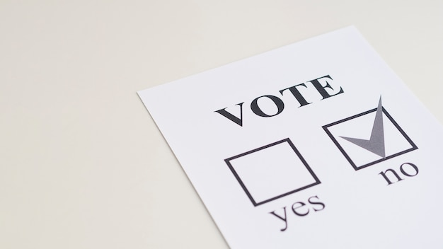 Escolha de referendo alto ângulo