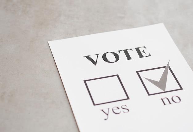 Escolha negativa do referendo preto e branco