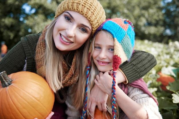 Escolhendo a abóbora perfeita para o halloween
