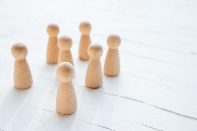 Escolher a direção certa nos negócios é a seleção certa de funcionários.