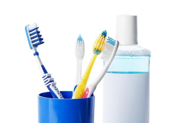 Escova de dentes e ferramentas dentárias