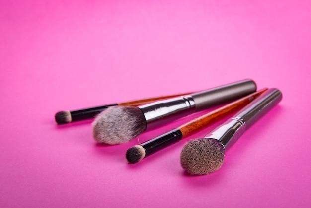 Escova para aplicar maquiagem cosmética