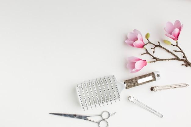 Escovas e tesouras para cabelo