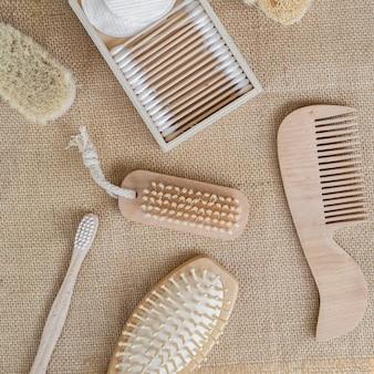 Escovas planas e arranjo de almofadas de algodão