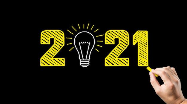 Escrita à mão 2021 no quadro negro