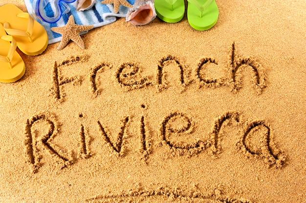 Escrita da praia da riviera francesa
