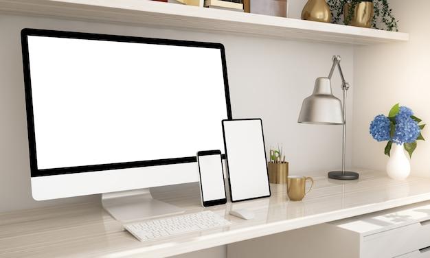 Escritório em casa com dispositivos responsivos