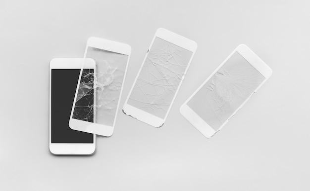 Escudo de vidro temperado com um telefone celular
