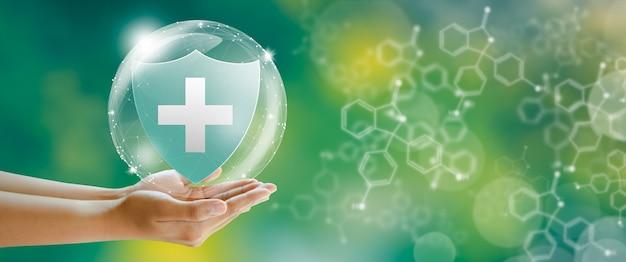 Escudo médico seguro de vida familiar seguro de assistência médica e conceitos saudáveis de negócios