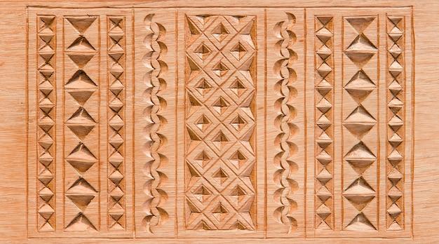 Escultura em madeira para decoração