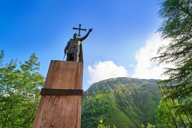 Escultura em montanhas de covadonga