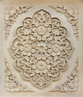 Escultura em pedra flor