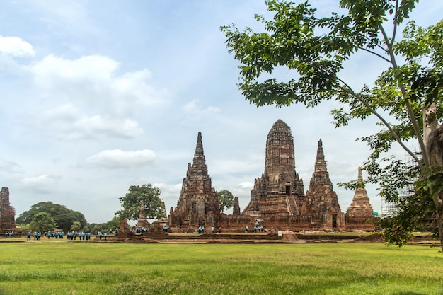 Escultura paisagem do antigo pagode antigo é famoso ponto de referência histórico templo budista