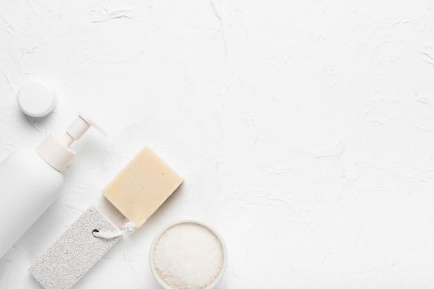 Esfregar produtos de higiene no spa
