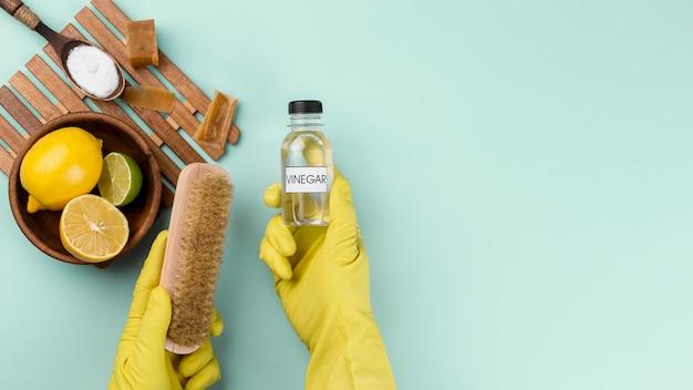 Espaço de cópia de produtos de limpeza ecológicos de vista superior