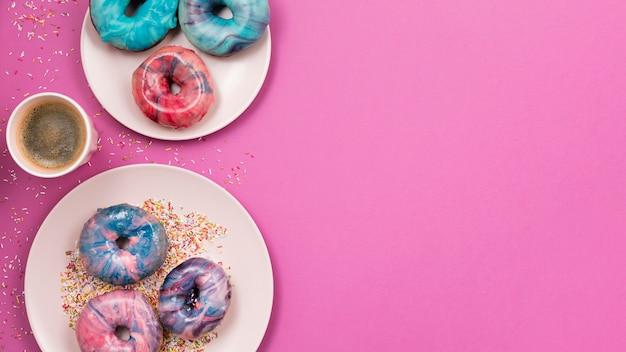 Espaço de cópia de variedade bonito donut