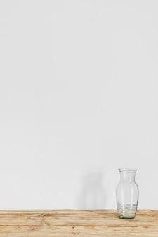 Espaço de cópia de vaso transparente de conceito mínimo abstrato