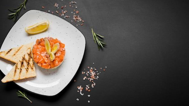 Espaço de cópia saudável prato de salmão