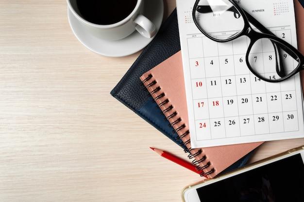 Espaço de trabalho com calendário