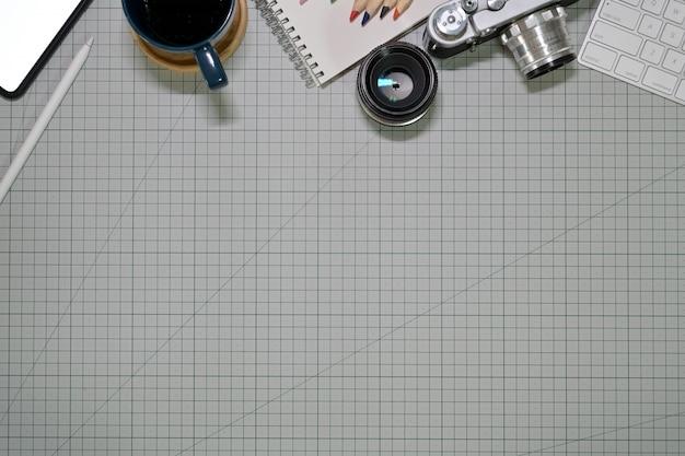 Espaço de trabalho de designer criativo artista e espaço de cópia