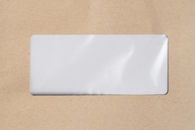 Espaço em branco para endereço de correspondência em saco de papel marrom