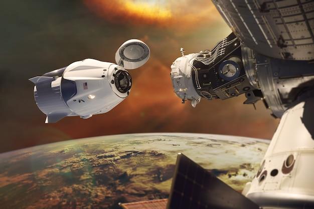 Espaçonave de carga em órbita baixa com luz solar