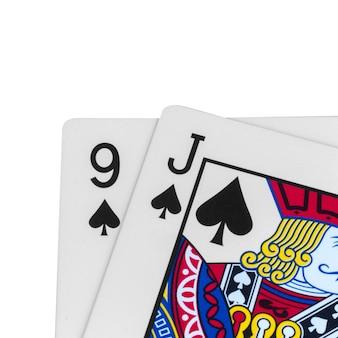 Espadas do cartão 9 j isoladas no branco