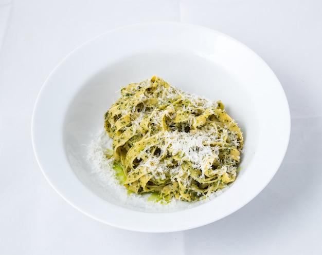 Espaguete carbonara, macarrão