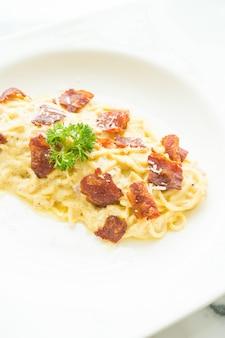 Espaguete carbonara