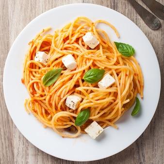 Espaguete com molho de tomate