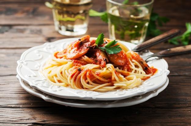 Espaguete italiano com camarão