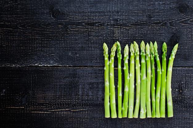 Espargos verdes.