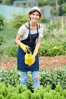Especialista em jardinagem, pulverização de plantas
