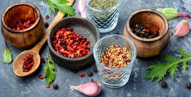 Especiarias e ervas aromáticas