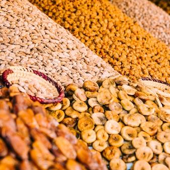 Especiarias no mercado em marrakech