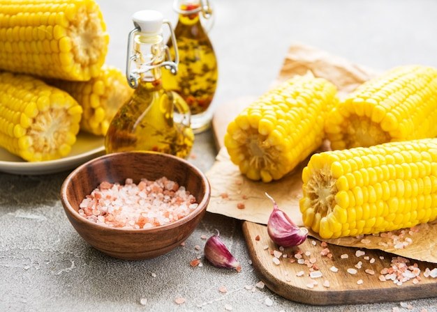 Espiga de milho cozido