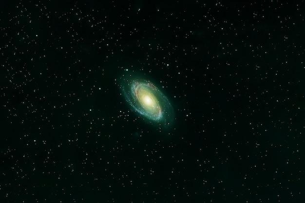 Espiral da galáxia verde. elementos desta imagem fornecidos pela nasa. foto de alta qualidade