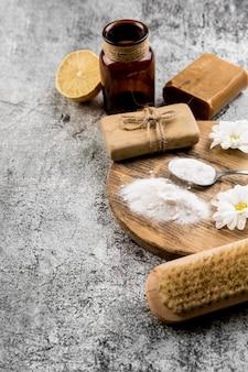 Esponja e sabão de limpeza orgânica