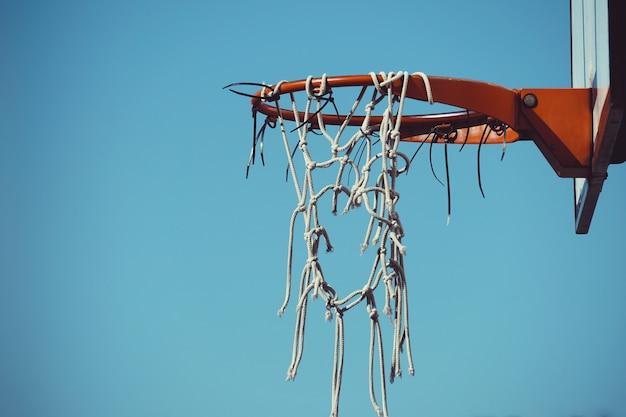 Esporte de basquete na rua