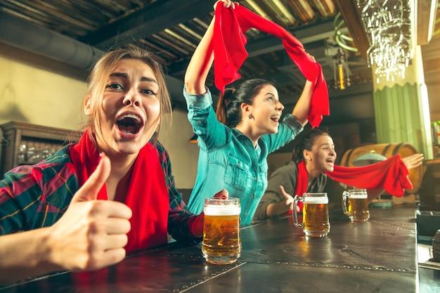 Esporte, pessoas, lazer, amizade, conceito de entretenimento